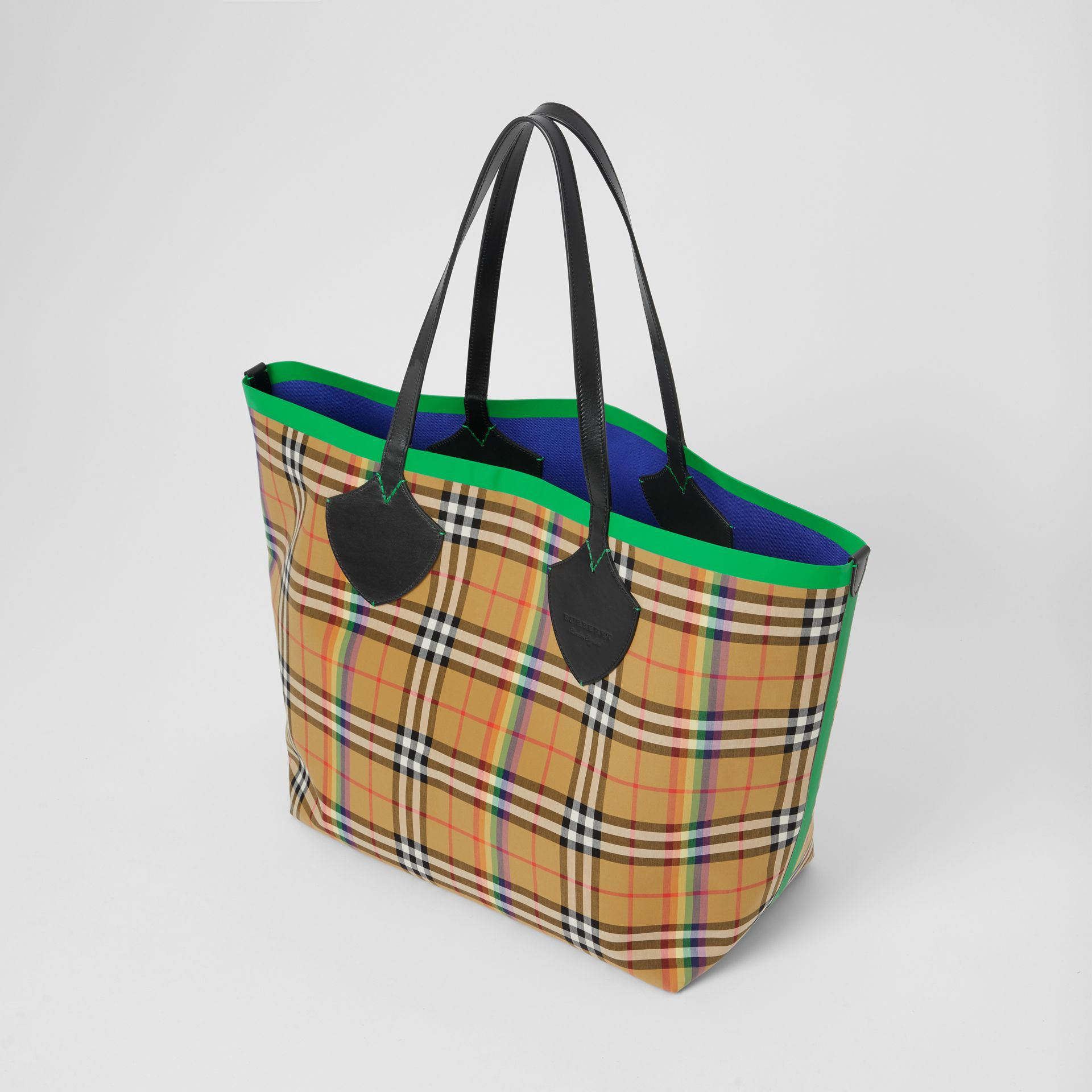 The Giant Tote in Rainbow Vintage Check in Antique Yellow | Burberry - gallery image 4