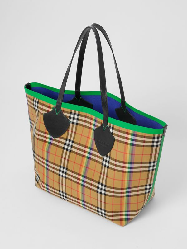 The Giant Tote in Rainbow Vintage Check in Antique Yellow | Burberry - cell image 3