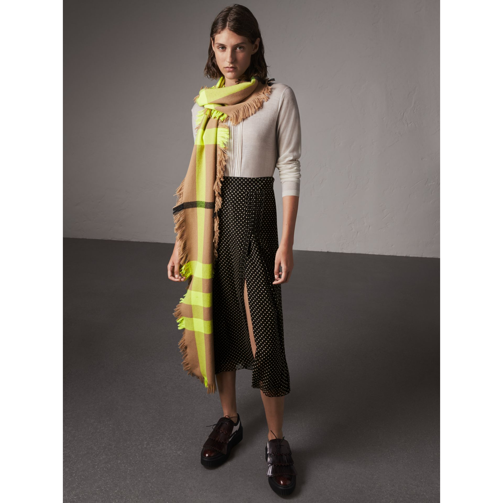 Fringed Check Wool Scarf in Neon Yellow | Burberry Singapore - gallery image 2