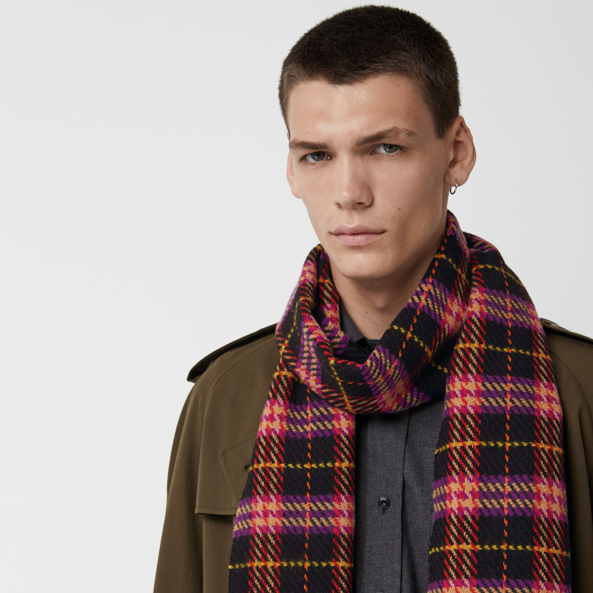 Check Merino Wool Scarf in Black | Burberry - gallery image 6