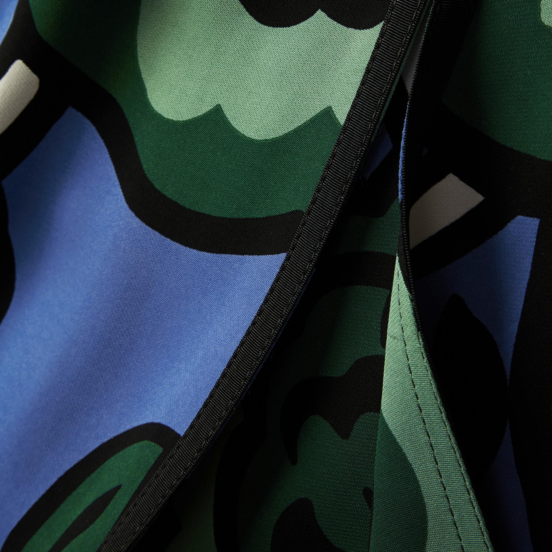 Blu acciaio intenso Abito a vita scesa con motivo floreale - immagine della galleria 2