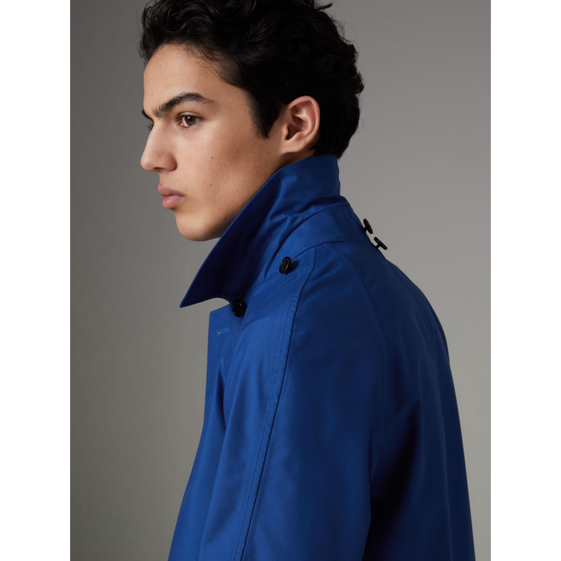 Detachable Hood Showerproof Car Coat in Bright Navy - Men | Burberry United Kingdom - gallery image 4