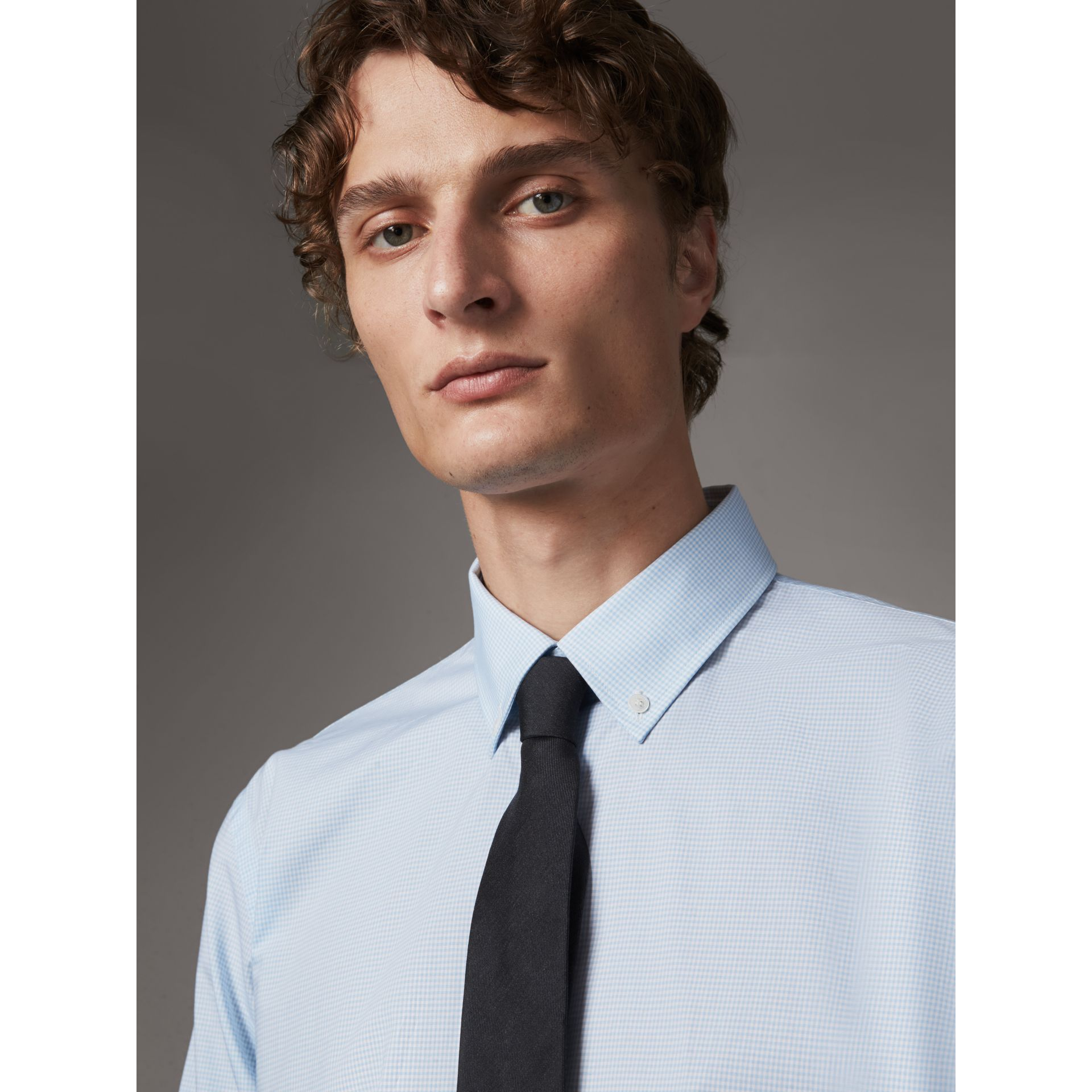 Modern Fit Stretch Cotton Shirt in City Blue - Men | Burberry - gallery image 2