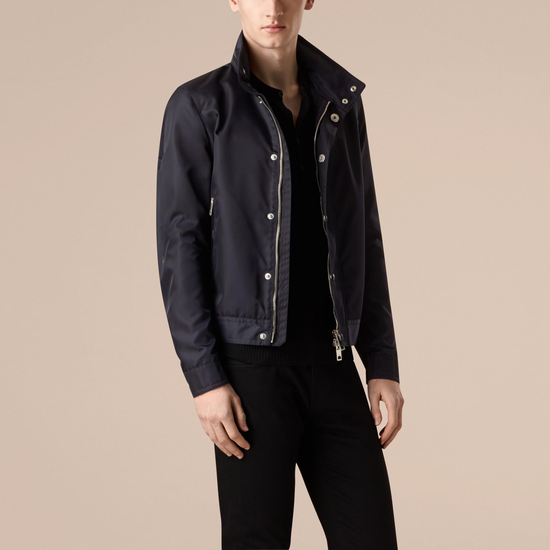 Темно-синий Куртка со складным капюшоном - изображение 6