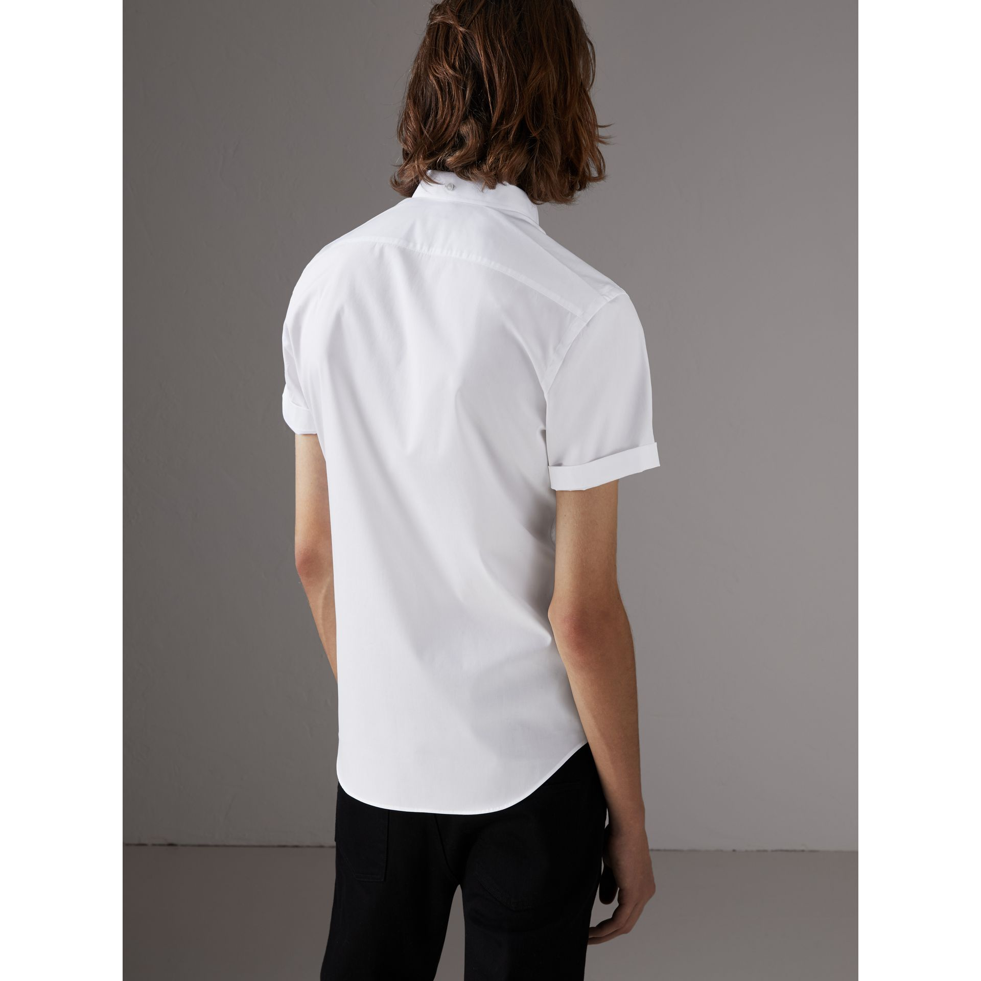 Short-sleeved Stretch Cotton Poplin Shirt in White - Men | Burberry - gallery image 2