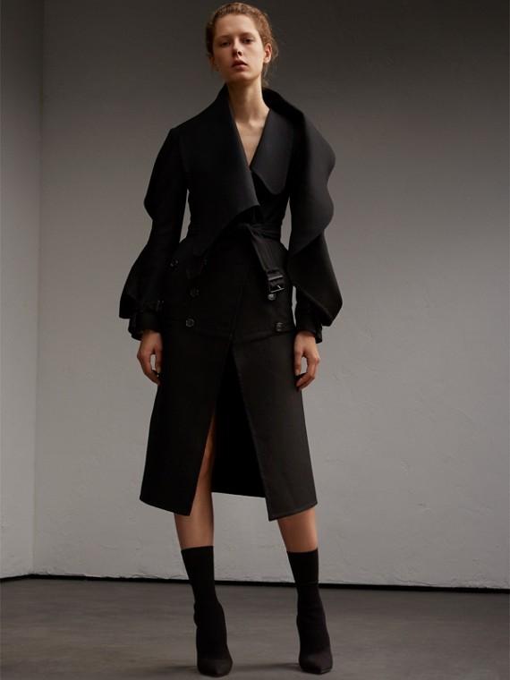 Manteau asymétrique léger en sergé de laine double face