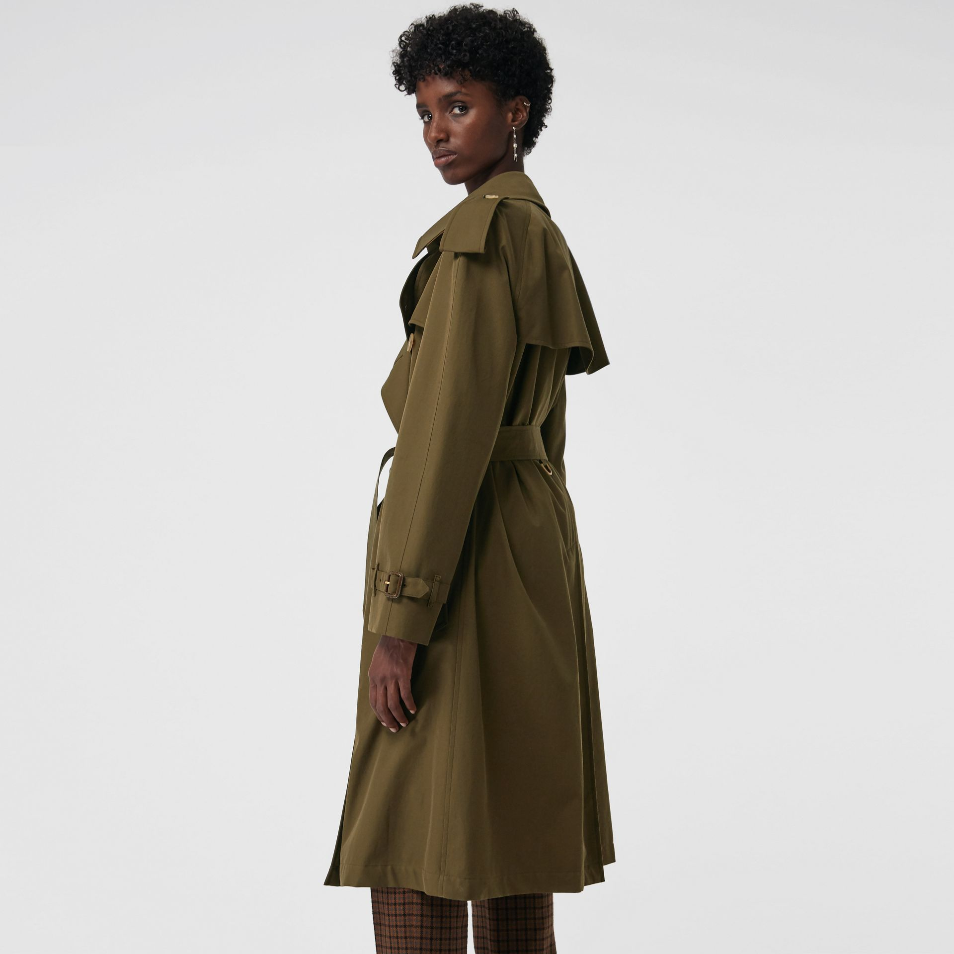 The Westminster Heritage Trench Coat in Dark Military Khaki - Women | Burberry Singapore - gallery image 2