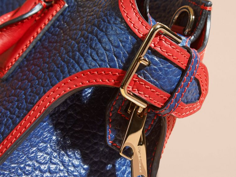 Blue carbon/parade red The Medium Clifton in Signature Grain Leather with Border Detail - cell image 1