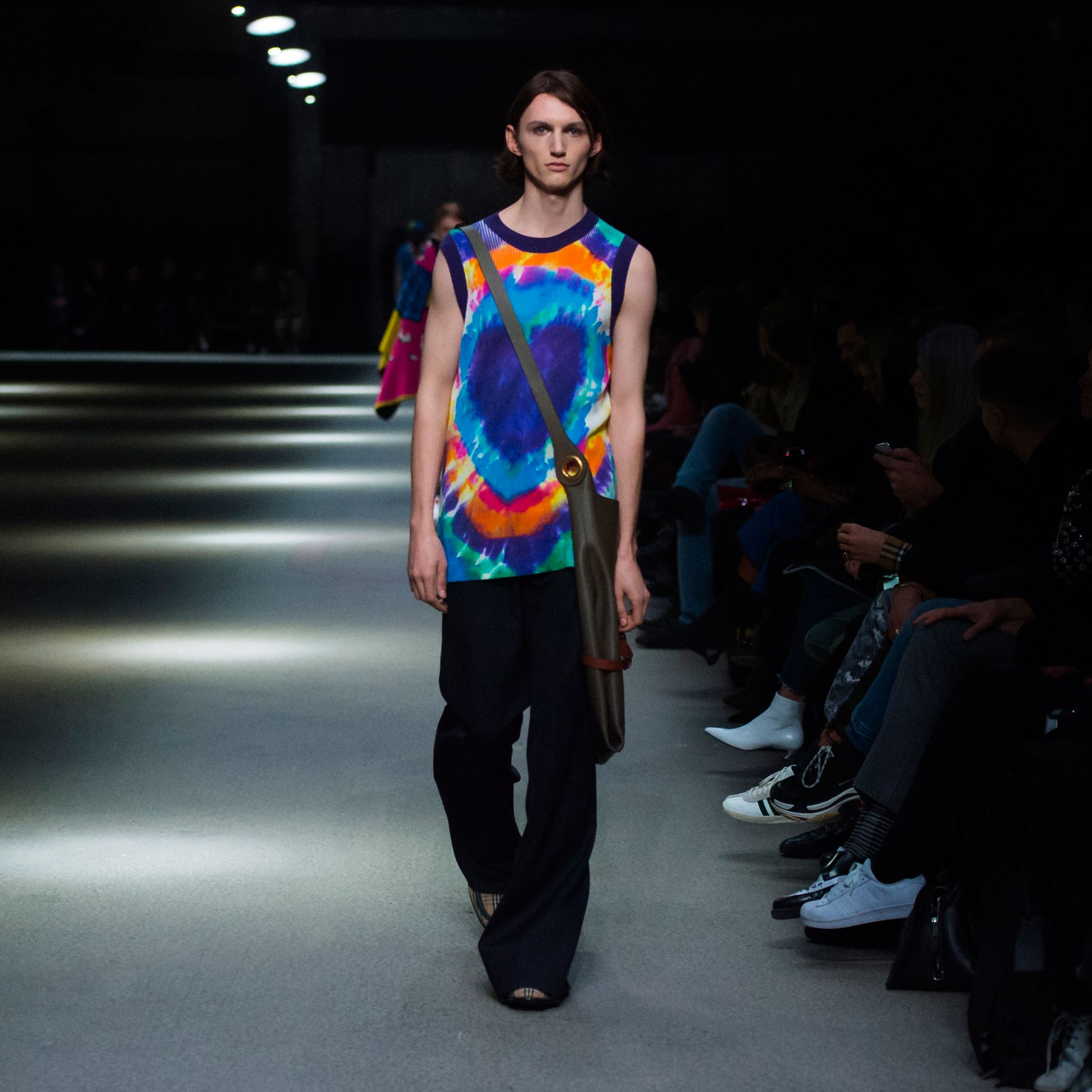 Tie-dye Print Cashmere Vest in Multicolour | Burberry Singapore - gallery image 5