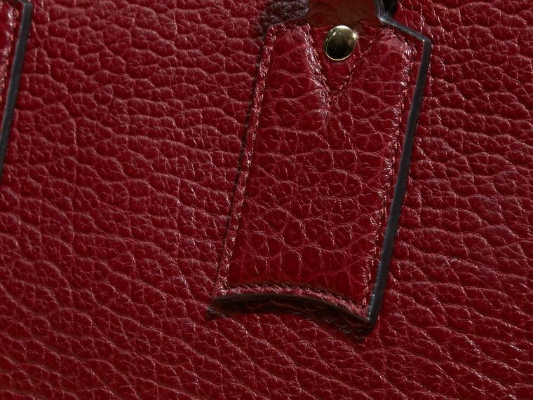 Deep red The Medium Clifton in Signature Grain Leather - cell image 1