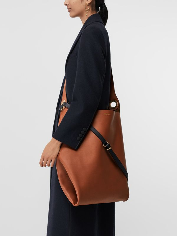 Borsa in pelle con occhielli (Marroncino) - Donna | Burberry - cell image 3