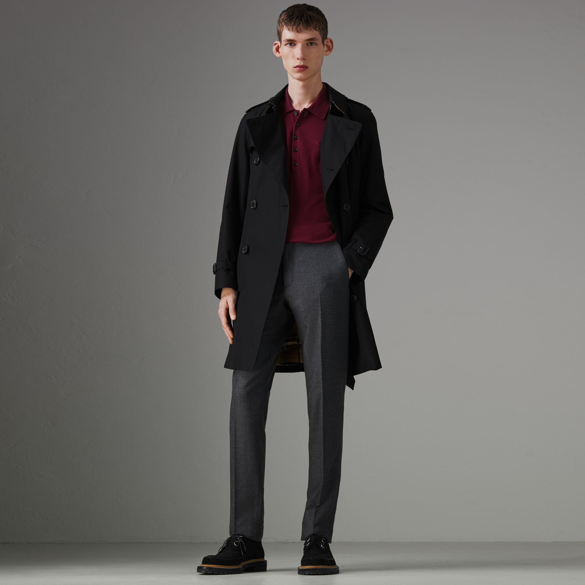 The Chelsea Heritage Trench Coat in Black - Men | Burberry - gallery image 0