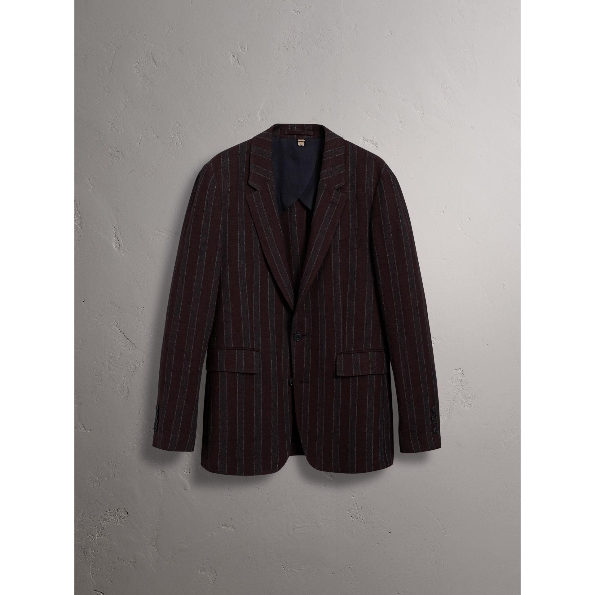 Soho Fit Striped Linen Tailored Jacket in Burgundy - Men | Burberry Canada - gallery image 3
