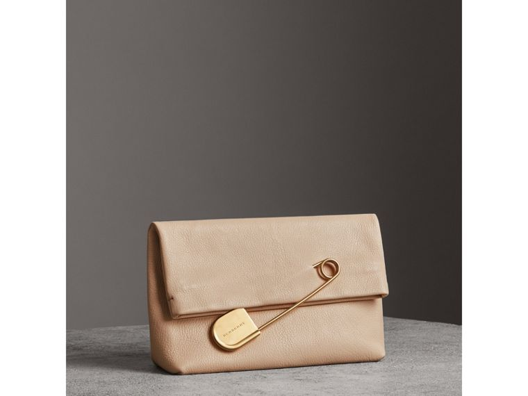 The Medium Pin Clutch in Leather in Stone - Women | Burberry United States - cell image 4