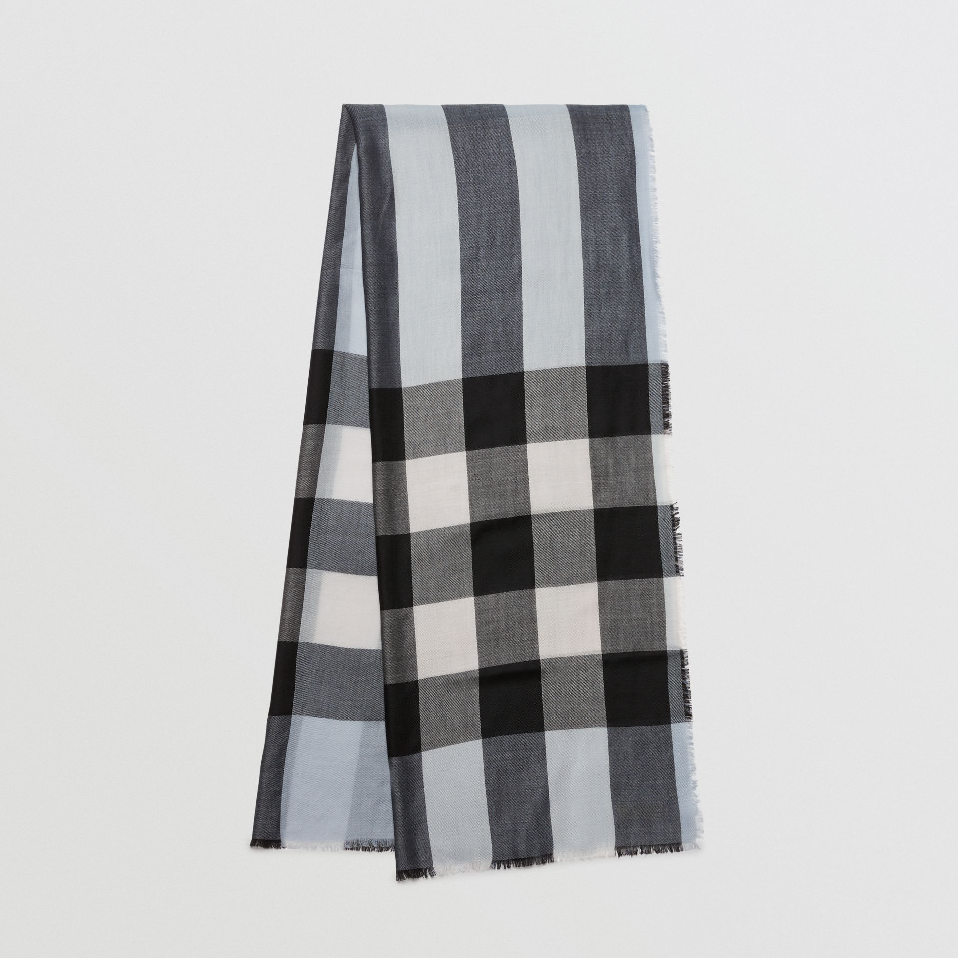 Lightweight Check Cashmere Scarf in Dusty Blue | Burberry - gallery image 4