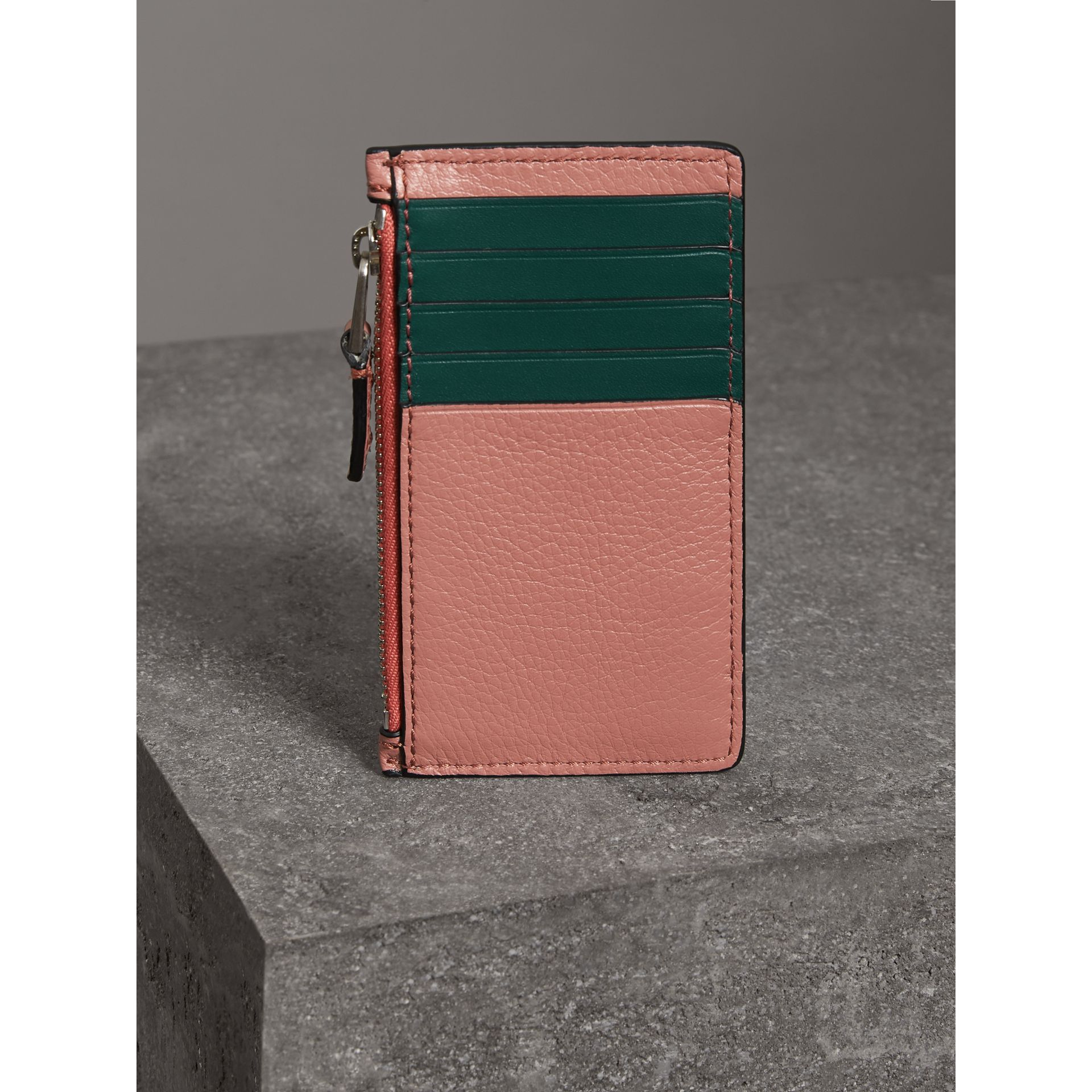 Two-tone Leather Zip Card Case in Dusty Rose - Women | Burberry Canada - gallery image 2