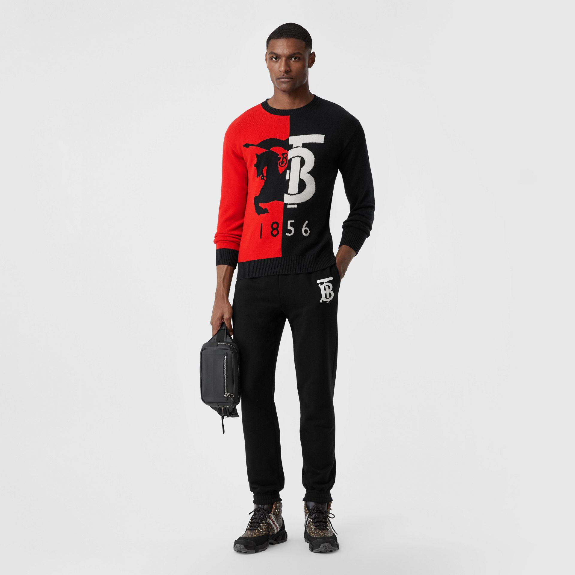 Contrast Logo Graphic Intarsia Cashmere Sweater in Black - Men | Burberry - gallery image 4
