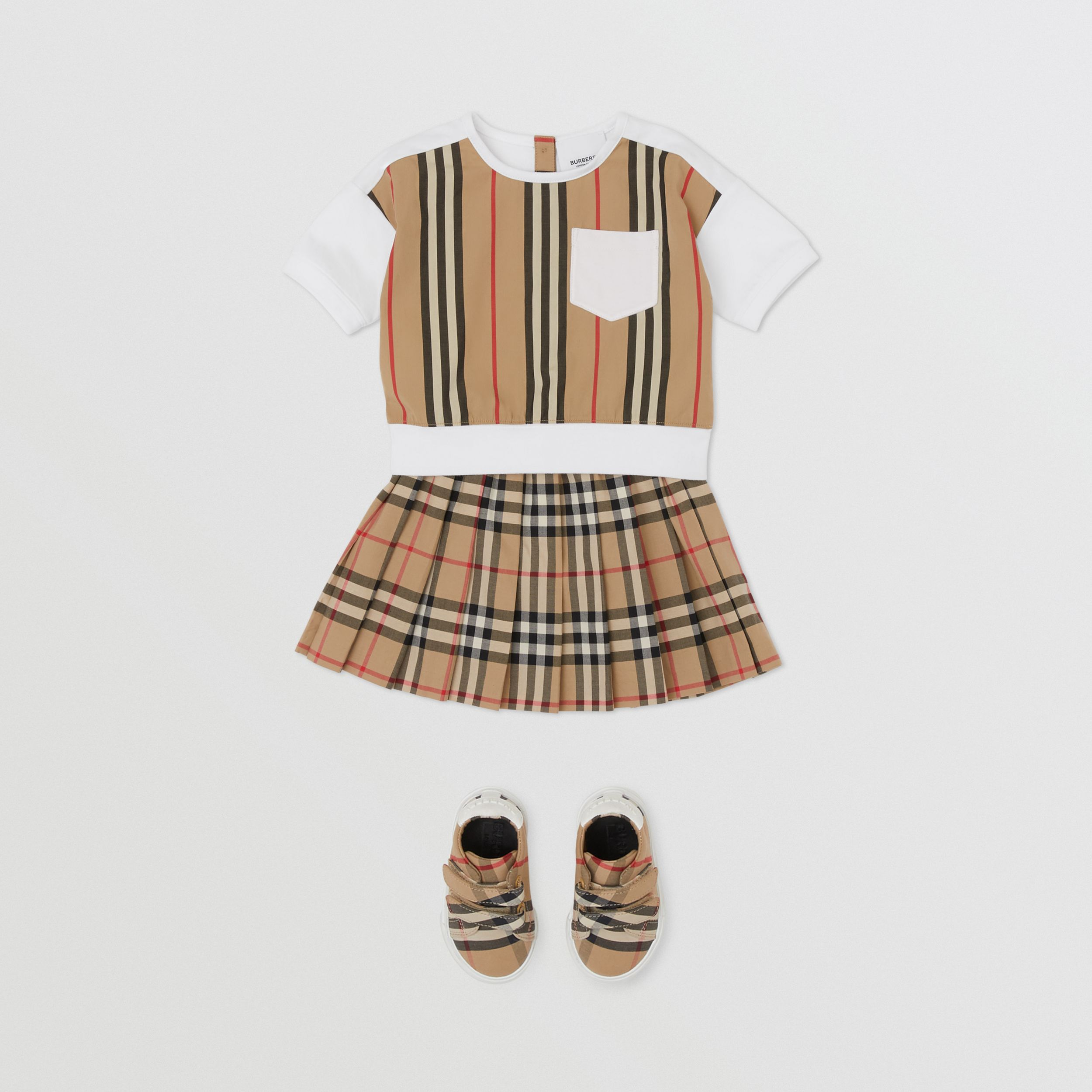 Camiseta en algodón con panel a rayas Icon Stripe (Blanco) - Niños | Burberry - 3