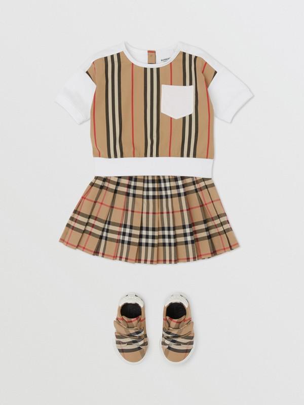 Icon Stripe Panel Cotton T-shirt in White - Children | Burberry United Kingdom - cell image 2