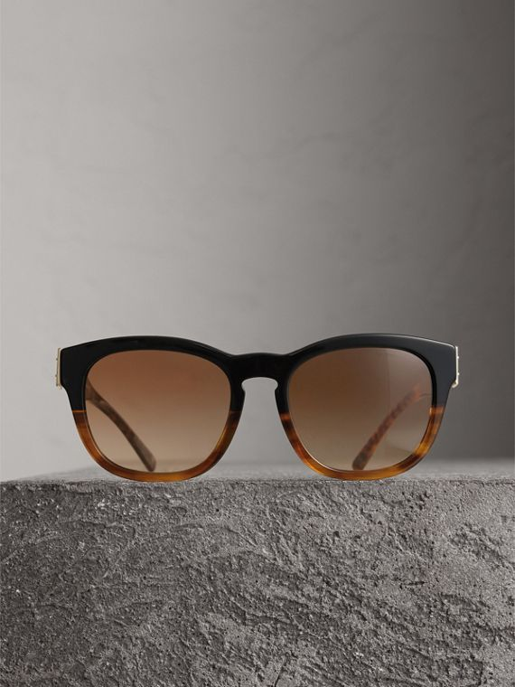 Buckle Detail Square Frame Sunglasses in Black - Women | Burberry - cell image 3