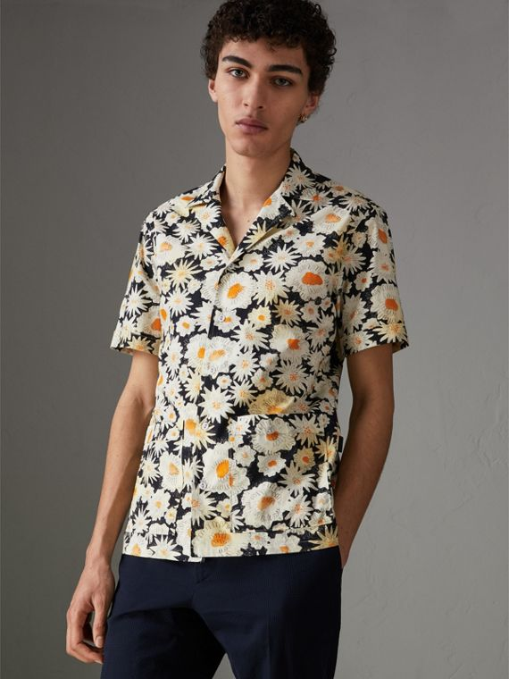 Short-sleeve Daisy Print Cotton Utility Shirt in Black