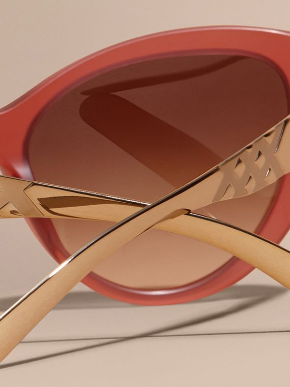 Red 3D Check Cat-eye Sunglasses Red - cell image 3