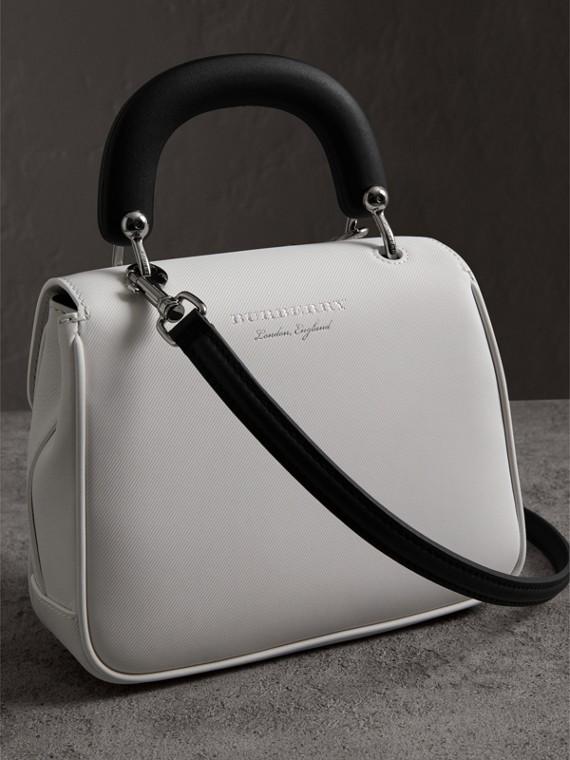 The DK88 piccola con manico (Bianco Gesso) - Donna | Burberry - cell image 2