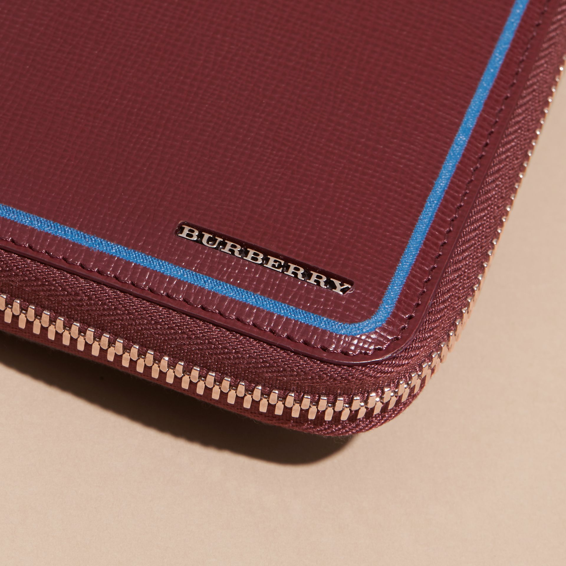 Border Detail London Leather Ziparound Wallet Burgundy Red - gallery image 3