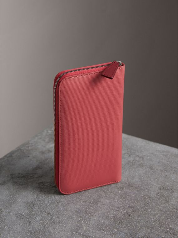 Two-tone Trench Leather Ziparound Wallet in Blossom Pink - Women | Burberry - cell image 2