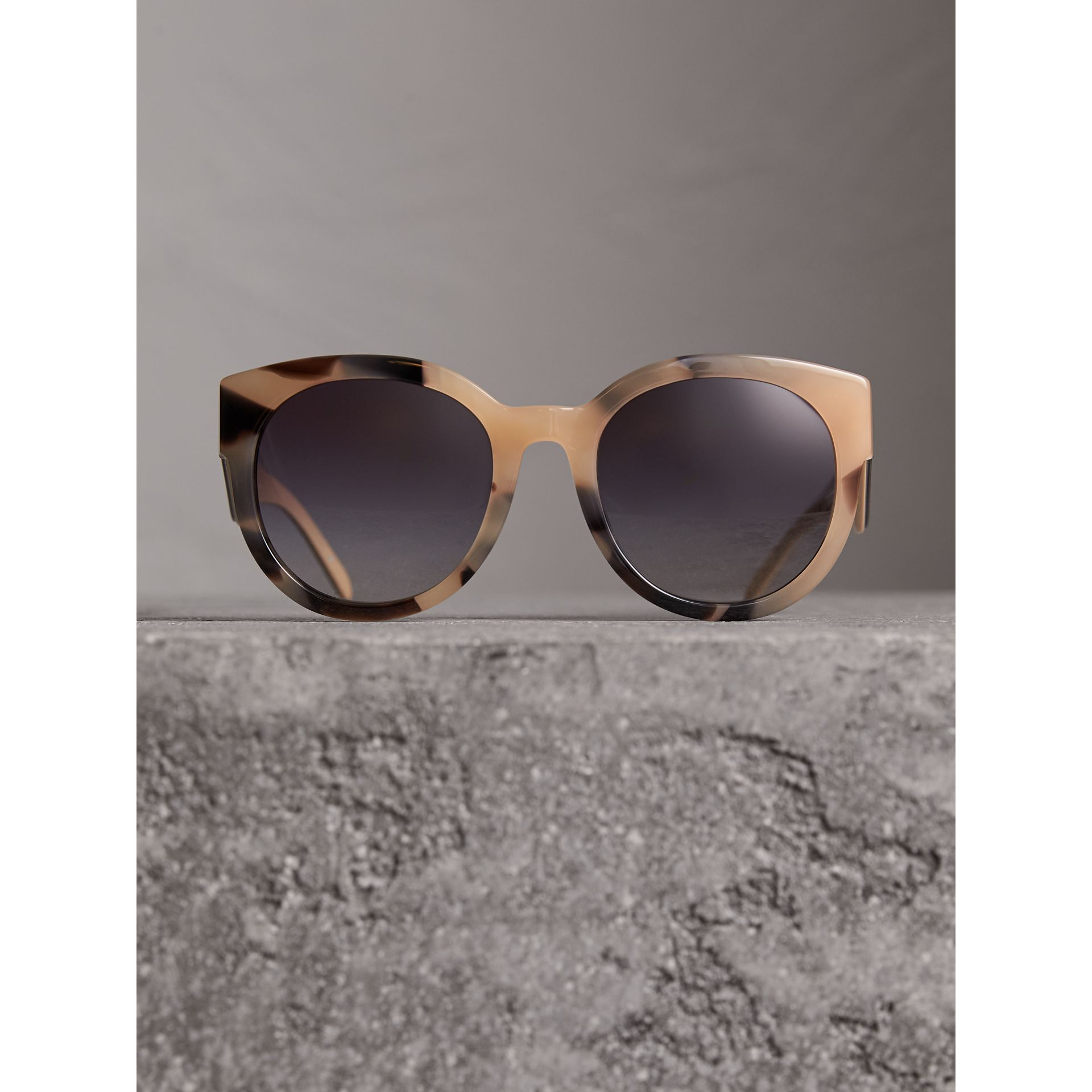 Round Frame Sunglasses in Honey - Women | Burberry Singapore - gallery image 3