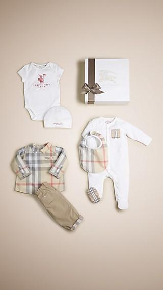 Conjunto de regalo para bebé de seis piezas en algodón