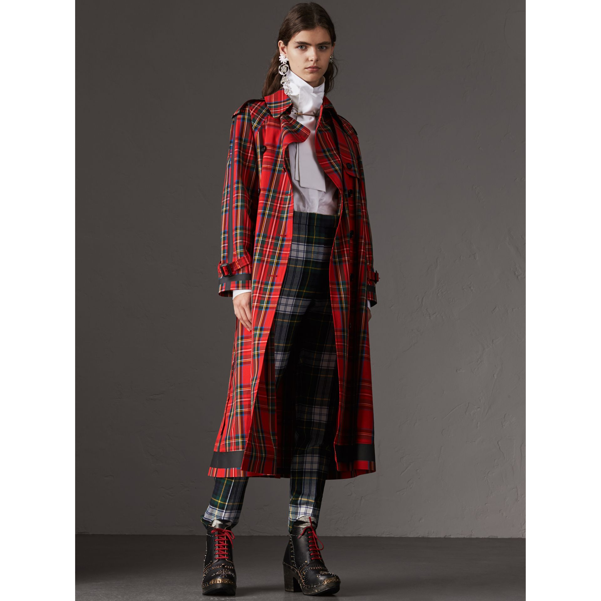Tartan Cotton Gabardine Trench Coat in Bright Red - Women | Burberry - gallery image 1