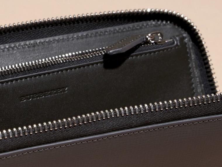 Anthracite/noir Portefeuille color-block à contour zippé en cuir London Anthracite/noir - cell image 4