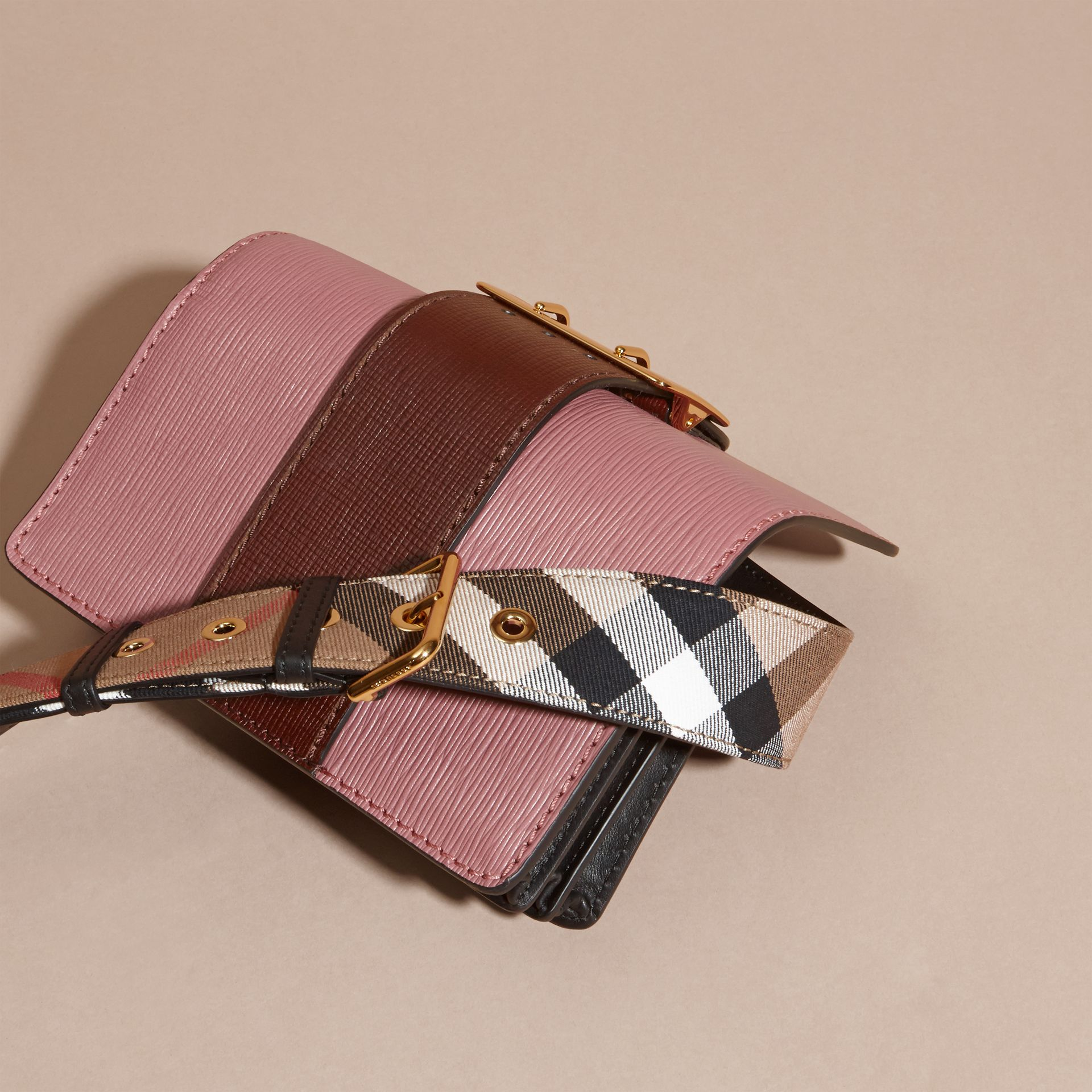 The Small Buckle Bag in Textured Leather Dusky Pink/ Burgundy - gallery image 5