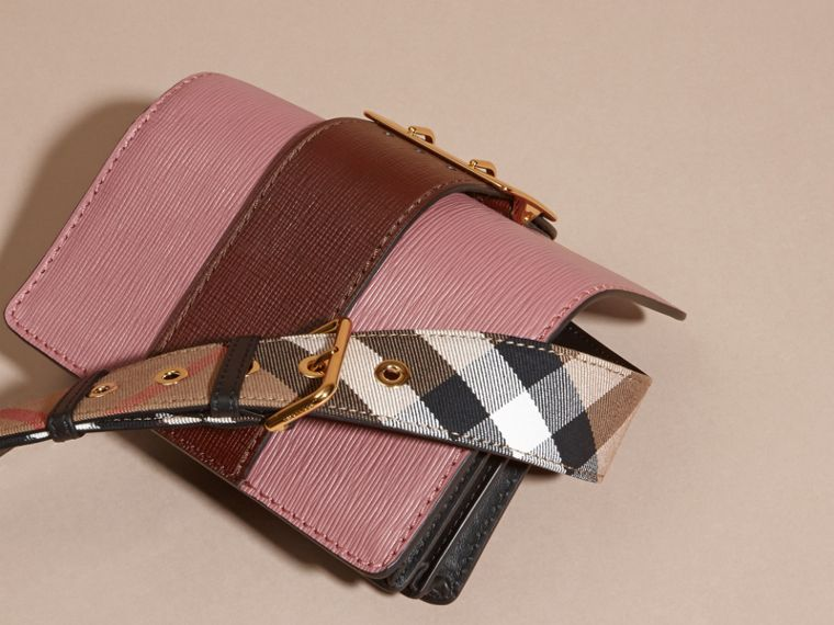 The Small Buckle Bag in Textured Leather Dusky Pink/ Burgundy - cell image 4