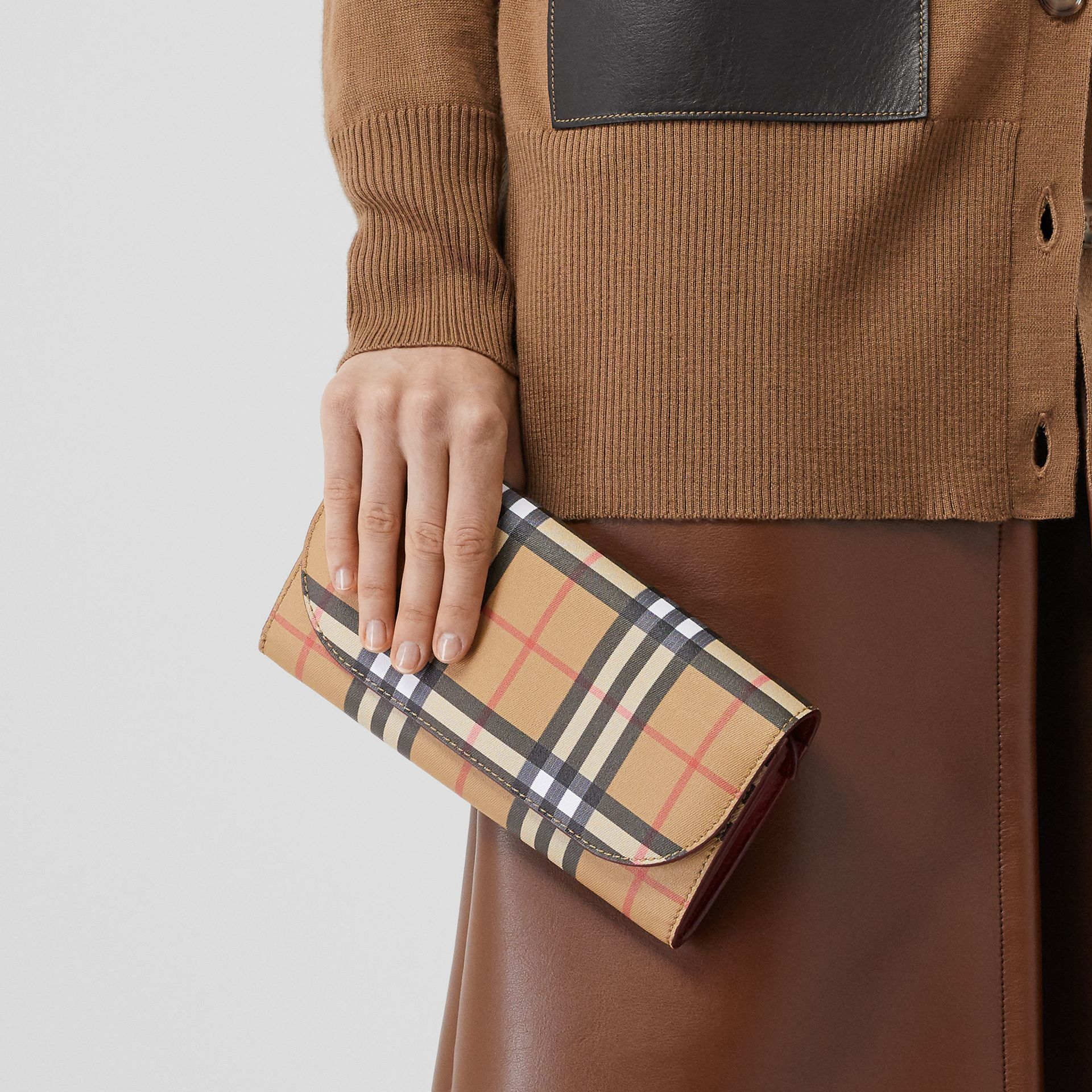 Vintage Check and Leather Wallet with Detachable Strap in Crimson - Women | Burberry Singapore - gallery image 8