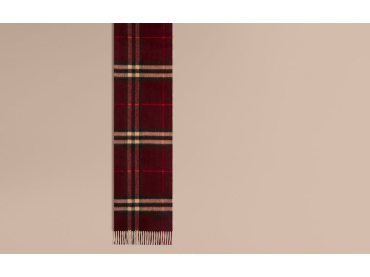 The Classic Check Cashmere Scarf in Claret | Burberry United Kingdom - cell image 1