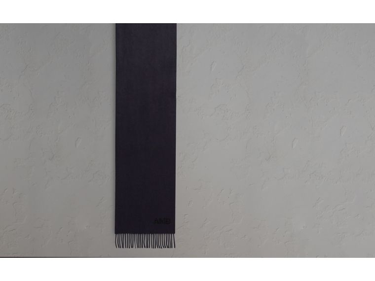 The Classic Cashmere Scarf in Navy - cell image 1