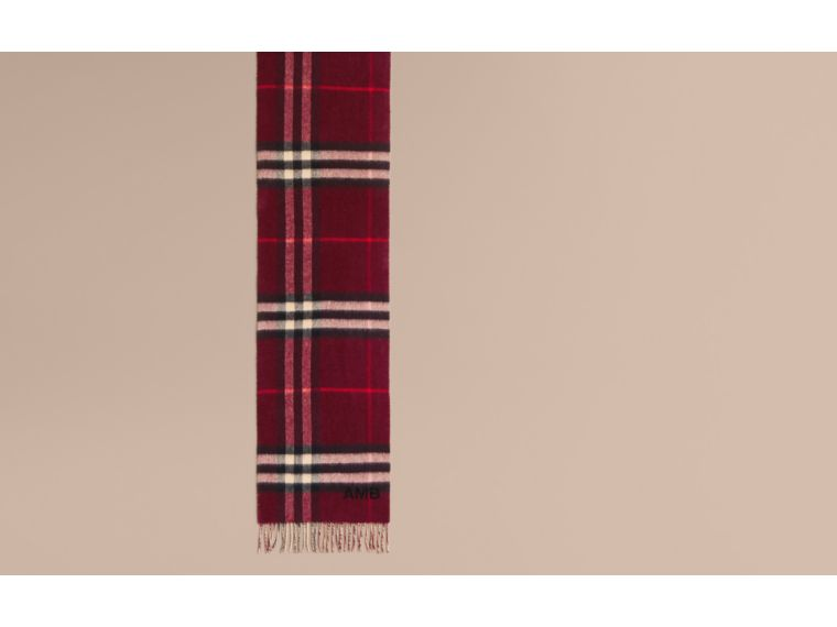 Reversible Check Cashmere and Block-colour Scarf in Claret - cell image 1