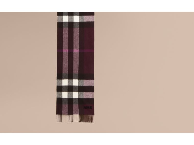 The Large Classic Cashmere Scarf in Check in Aubergine | Burberry - cell image 1