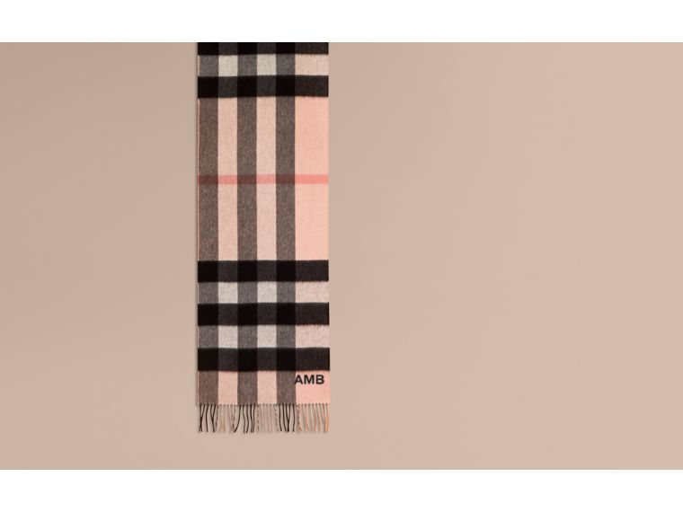 The Large Classic Cashmere Scarf in Check Rose - cell image 1