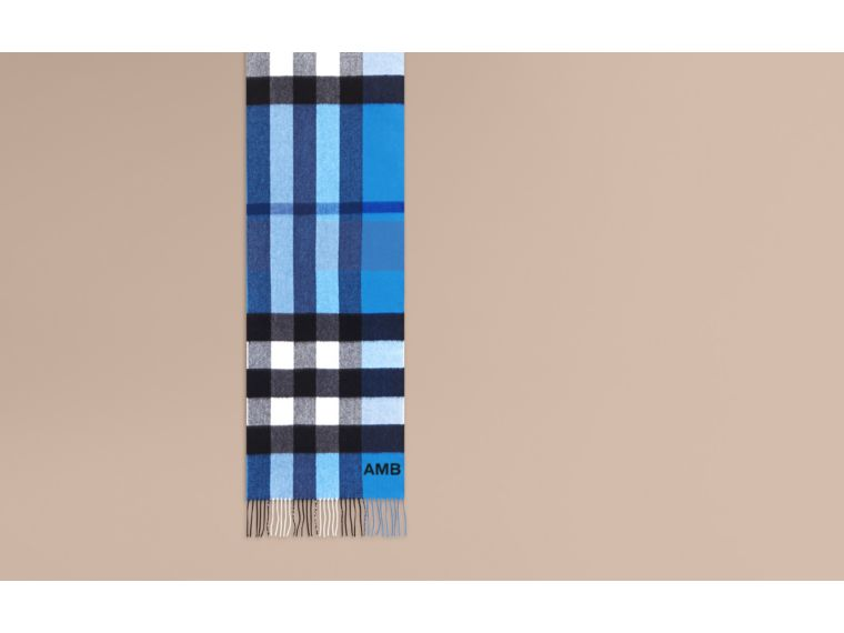 The Large Classic Cashmere Scarf in Check in Bright Cornflower Blue - cell image 1