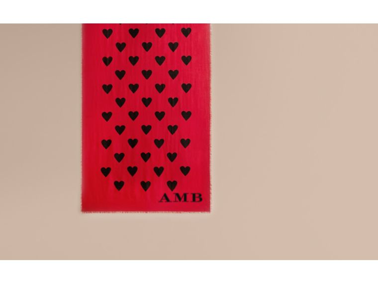 Parade red/black The Lightweight Cashmere Scarf in Heart Print Parade Red/black - cell image 1