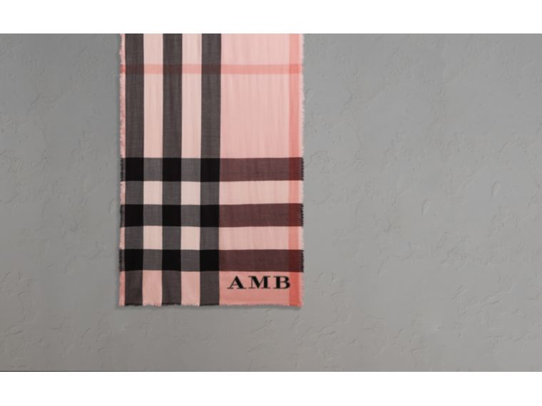 The Lightweight Cashmere Scarf in Check Rose - cell image 1
