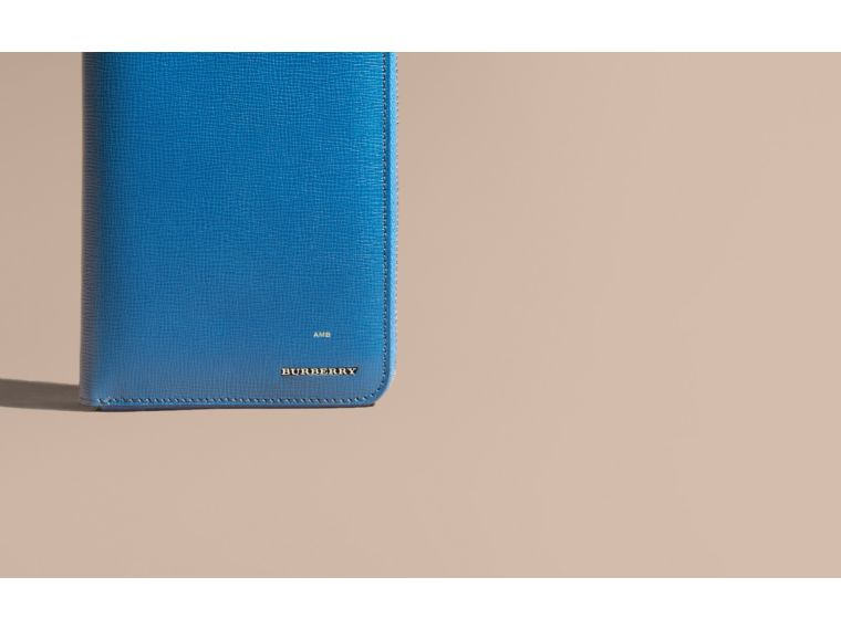 Brieftasche aus London-Leder mit umlaufendem Reißverschluss Mineralblau - cell image 1