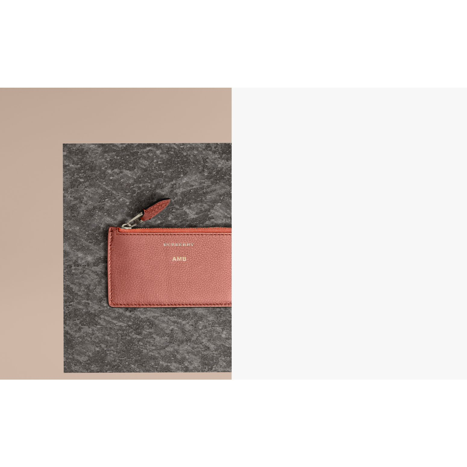 Porte-cartes zippé en cuir bicolore (Dusty Rose) - Femme | Burberry - photo de la galerie 1