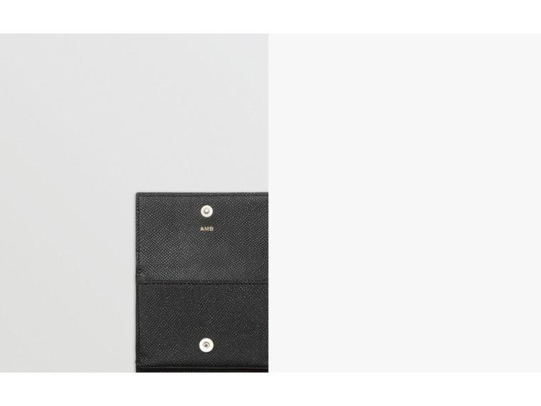 Petit portefeuille à rabat en cuir grainé (Noir) - Homme | Burberry - cell image 1