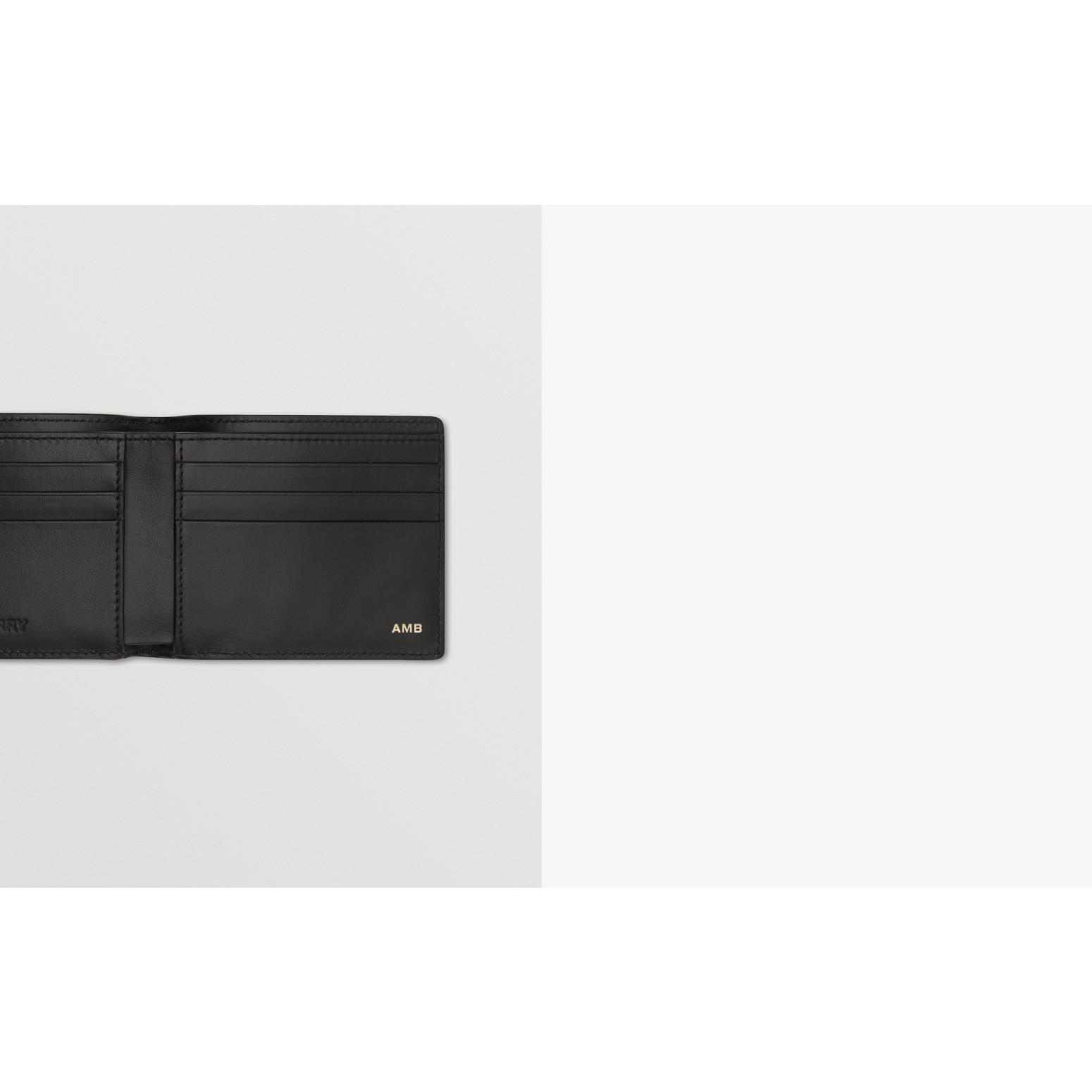 Portefeuille à rabat avec imprimé 3D (Beige D'archive) - Homme | Burberry Canada - photo de la galerie 1