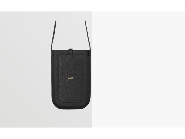 Smartphone-Etui aus genarbtem Leder mit Riemen (Schwarz)   Burberry - cell image 1