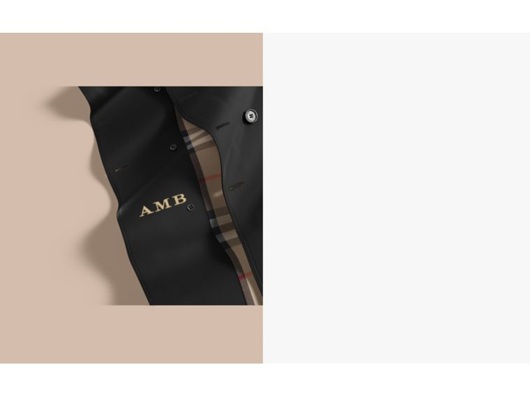 The Sandringham – Short Heritage Trench Coat in Black - Men | Burberry Australia - cell image 1
